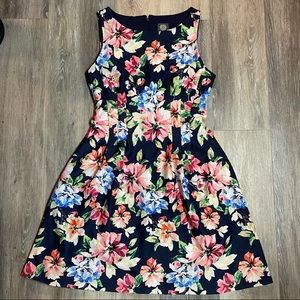 Vince Camuto Midi Length Floral Pattern Dress